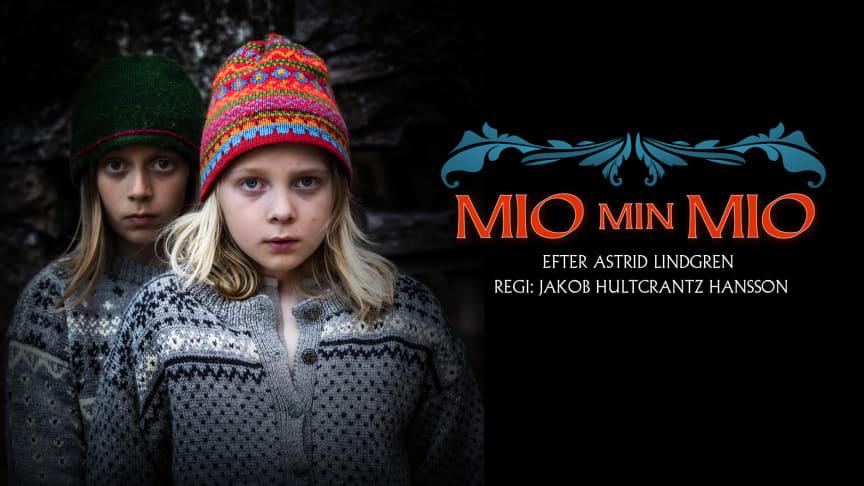 Loke Hultcrantz i rollen som Mio (längst fram) och Moses Bocker som Jum-Jum. Foto: Håkan Larsson
