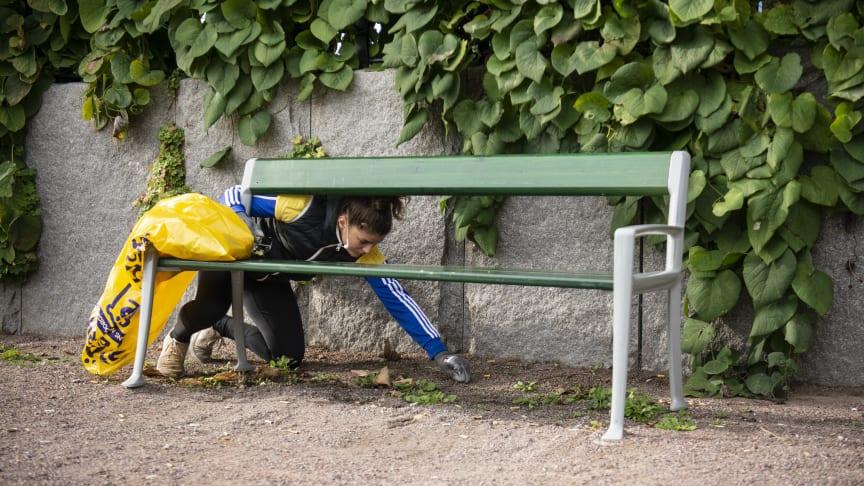 Representant från en utav föreningarna som städar Norrköping. Fotograf: Josefin Warg/Städa Sverige