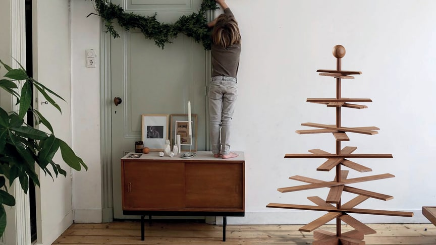 """Dieser Weihnachtsbaum ist für diejenigen entworfen worden, die das skandinavische Design und(!) die Umwelt lieben. Habitree wurde kürzlich mit dem """"European Product Design Award"""" ausgezeichnet."""