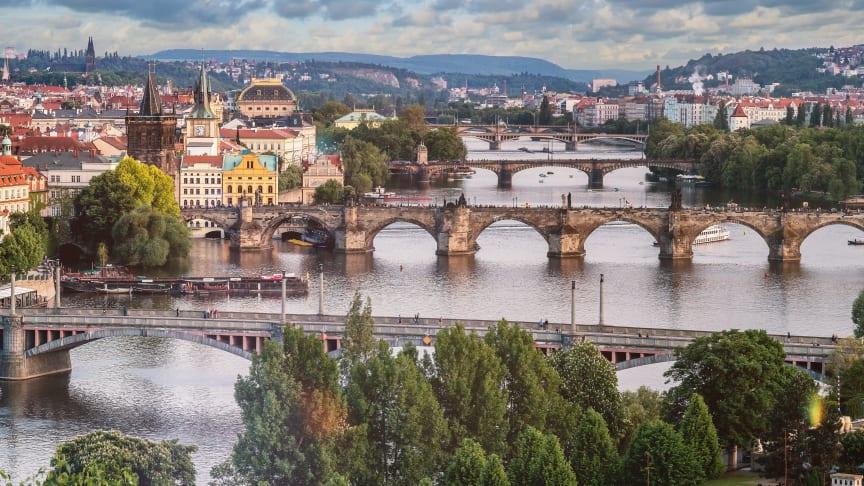 Bridges over the Vltava River in Prague (Photo: jeshoots.com)