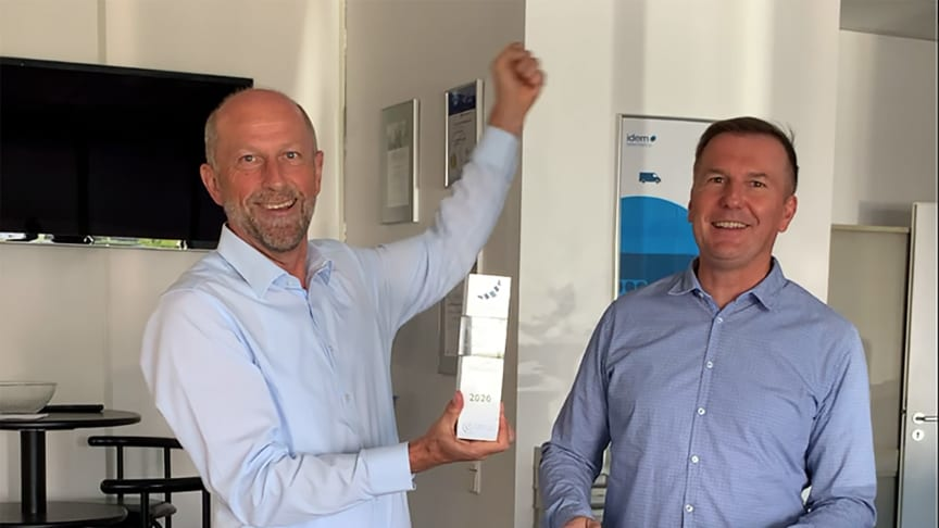 idem telematics (represented by the managing directors Jens Zeller and Thomas Piller, from left) received the 2020 Telematik Award