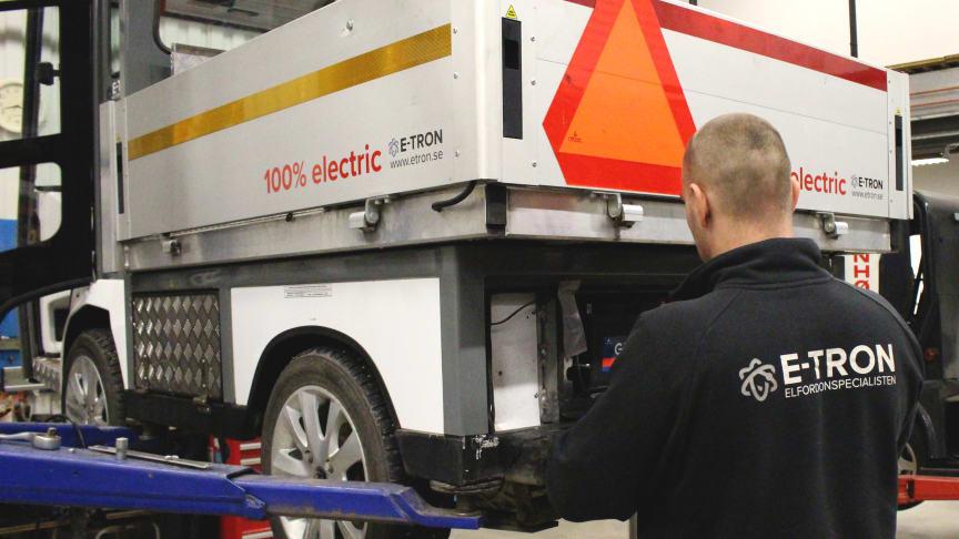 Service och reparationer av elfordon hos E-TRON AB