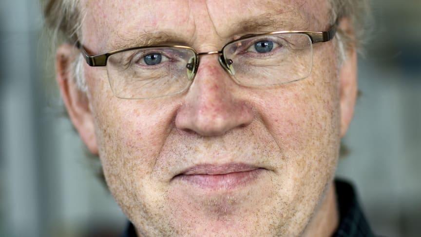 Professor Peter Thomsen tilldelas Erna Ebelings pris 2019 för framstående forskning inom området biomaterial