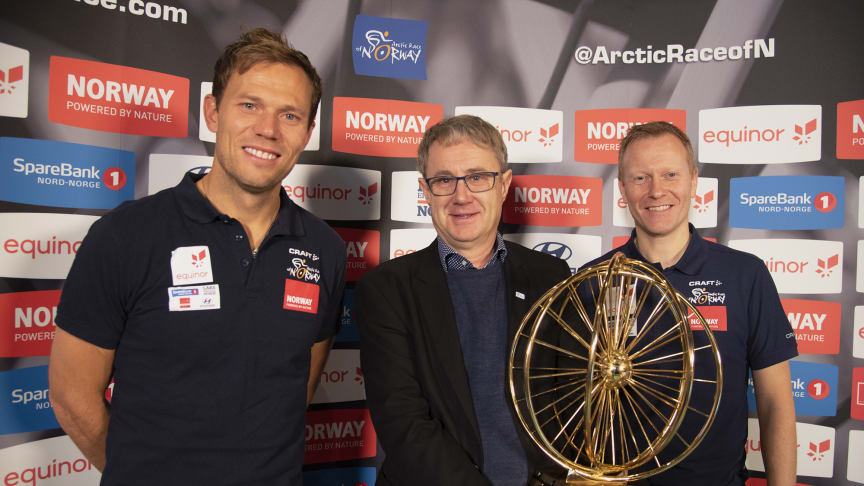Thor Hushovd, the former professional road bicycle racer (left), Bjørn Amundsen, head of coverage in Telenor, and Managing director Knut-Eirik Dybdal of the Arctic Race of Norway.