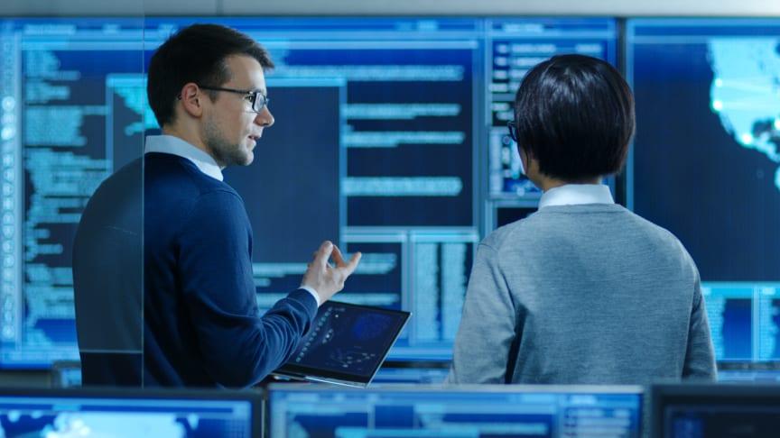 Med den nye løsningen fra AVEVA og Schneider Electric vil datasenterpersonell få mulighet til å ta raskere og mer informasjonsbaserte beslutninger. (Foto: Getty Image)