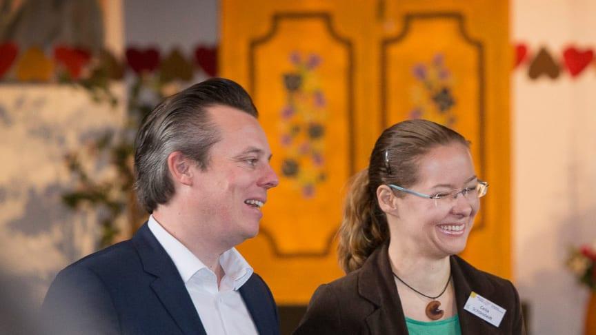 Haltung zeigen: Moderationsteam Peter Augustin und Celia Schönstedt