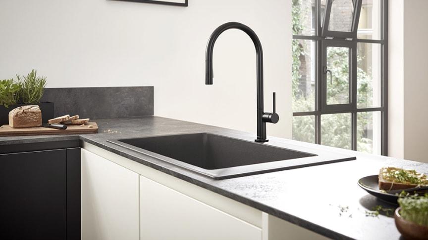 hansgrohe Talis M54 kjøkkenarmatur 220 med uttrekkbar tut, matt sort