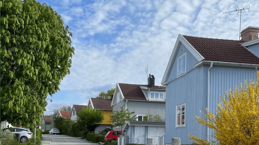 Ny rapport: Därför flyttar så få villaboende seniorer