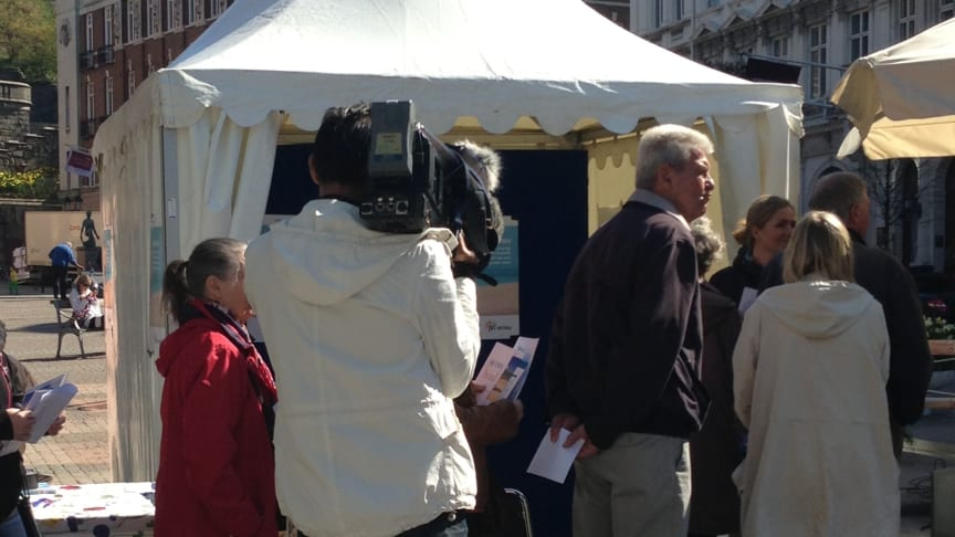 Pressinbjudan till Solskola med Nätverket mot cancer – Testa huden med UV-scanning i specialkamera på Stortorget i Helsingborg
