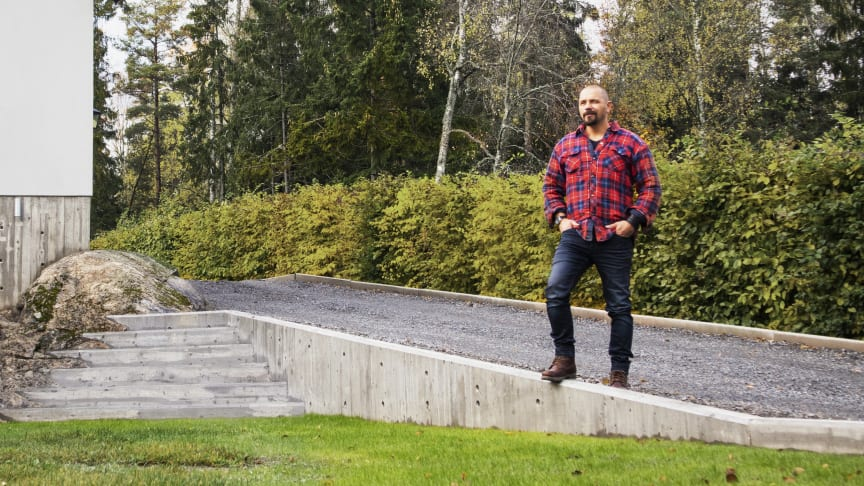 Björn bygger bo – Gjuten stödmur