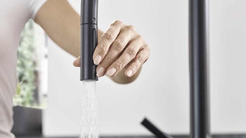 hansgrohe Talis M54 kjøkkenarmatur med uttrekkbar tut, matt sort