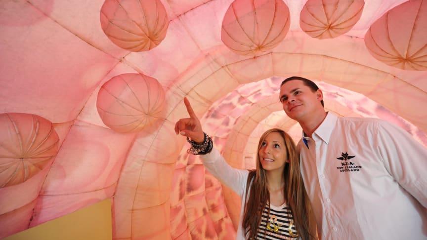 """  """"Dahoam is Dahoam"""" - Fanfest: Darmmodell informiert über Chancen der Krebsvorsorge"""