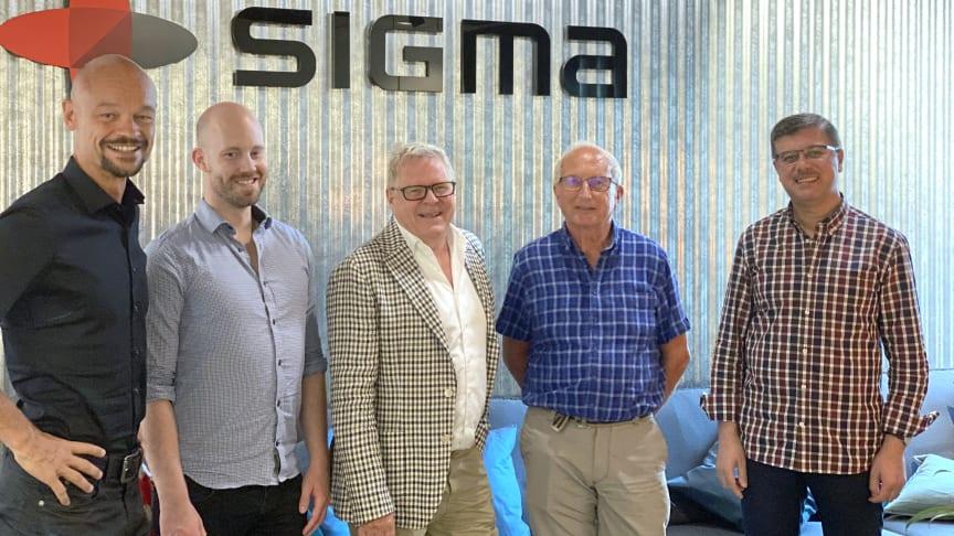 Från vänster: Anders Dannqvist, VD Sigma Civil, tillsammans med Jesper Sundberg, Ante Viberg, Rolf Engelheart och Mohammed Al-Naqshabandy som nu förstärker företagets verksamhet i Stockholmsområdet.