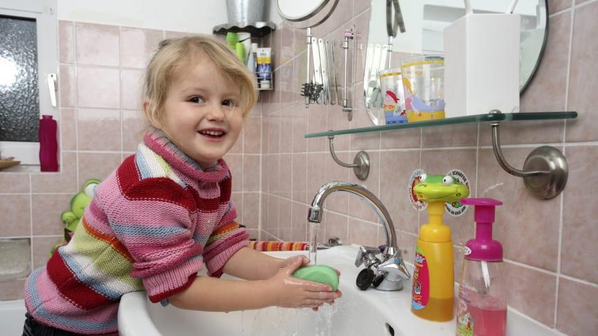 Regelmäßiges und sorgfältiges Händewaschen beugt effektiv Infektionen vor. Foto: SIGNAL IDUNA