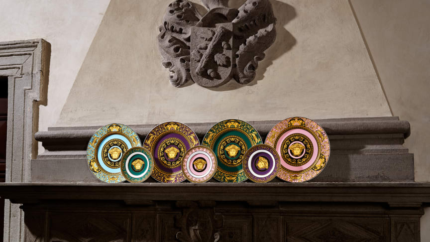 Six colours, two different plate sizes, one icon: the new Rosenthal meets Versace series Medusa Colours.