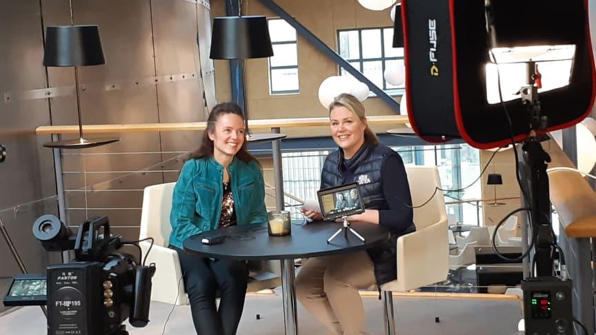 Anne Adsten, Jämtland Härjedalen Turism, och Maria Lundkvist, Höga Kusten Turistservice, är två av medlemmarna i Visitas Råd för Besöksservice som medverkar i den nya digitala utbildningen för ökat värdskap i Sverige.