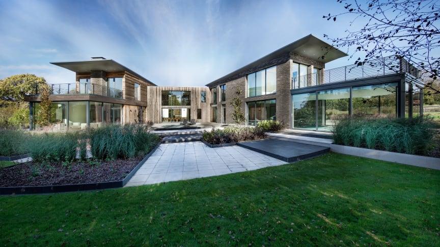 Neubau mit einer außergewöhnlichen Architektur und Kebony Fassade