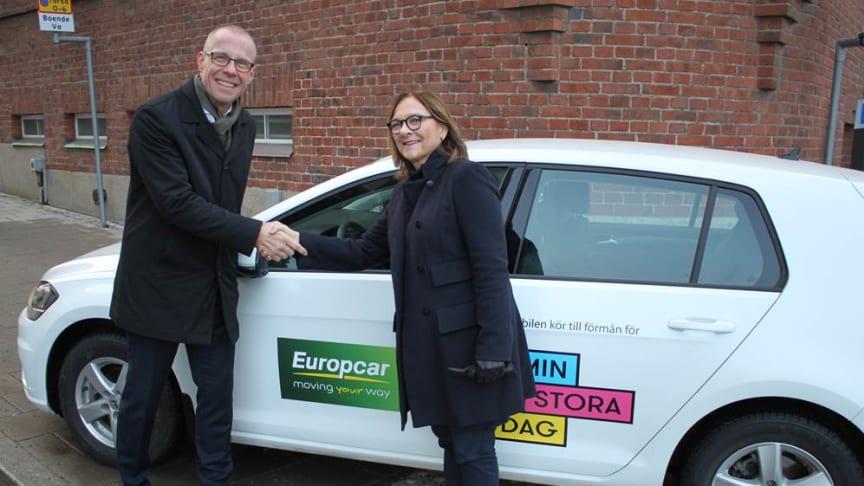 Mickael Bogered VD Europcar tar i hand på ett förlängt samarbete med Hélène Benno Generalsekreterare på organisationen Min Stora Dag.