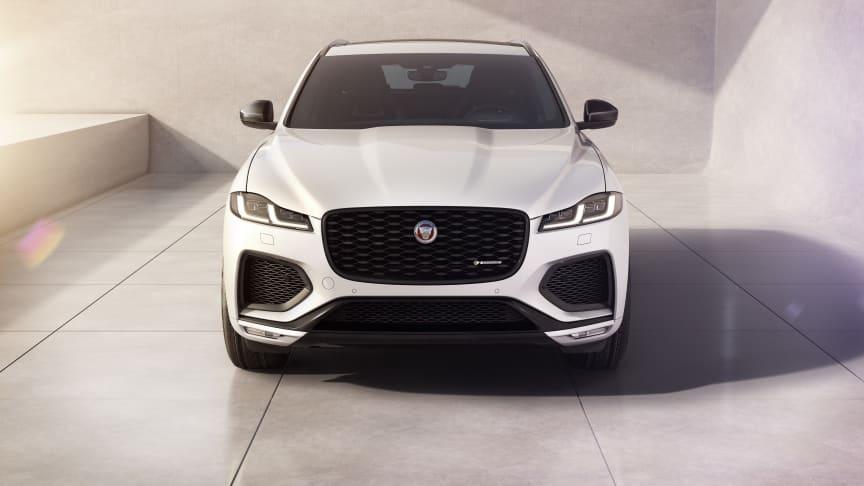 Jaguar F-PACE R-Dynamic Black-modell og oppgradert teknologi
