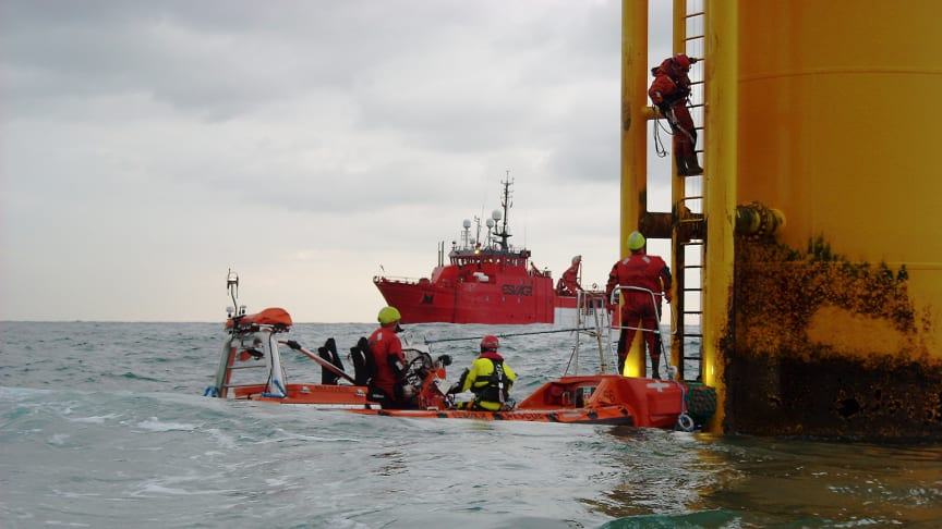 The contract between MHI Vestas Offshore Wind and ESVAGT reiterates that ESVAGT's concept of using Safe Transfer Boats to transfer technicians and spare parts safely from vessel to turbine is a success.