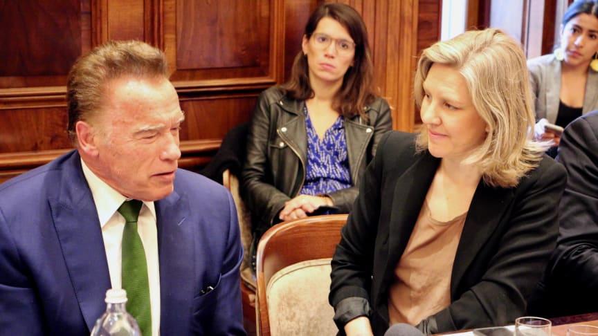 Arnold Schwarzenegger och Karolina Skog. Foto: Alfred Andersson, Gröna Bilister