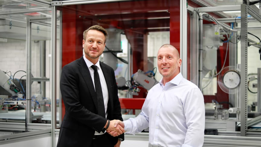 Dennis Helfridsson & Giovanni Fili sign partnership between ABB and Exeger