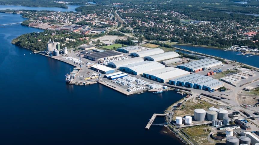 Umeå hamn utvecklas om för att möta framtiden. Tyréns har fått förtroendet att vara generalkonsult för projektering gällande nybyggnad av Södra kajen med RoRo ramp.  Foto: Umeå Hamn AB.