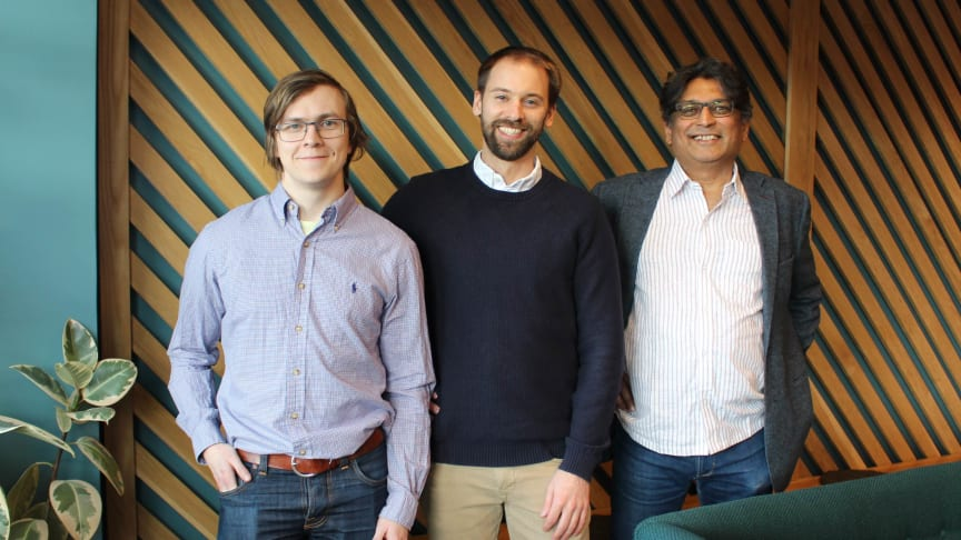 Från vänster: Daniel Ödman Data Scientist, Hans Salomonsson VD och Devdatt Dubhashi Chief Scientist på EmbeDL.