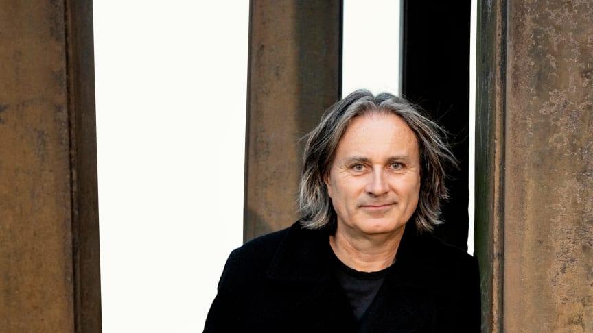 Kompositören Colin Riley har specialkomponerat ett verk för Helsingborgs Symfoniorkester på temat hållbara transporter.