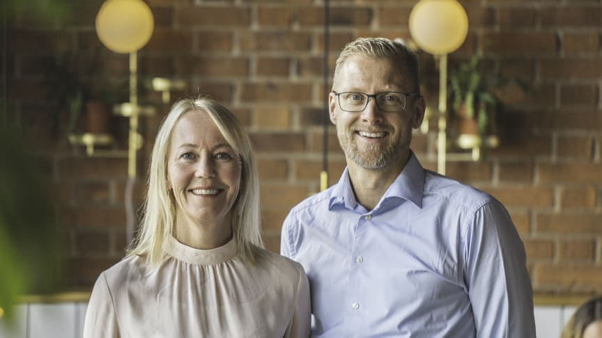 -I am incredibly grateful for the trust that the Löfberg family has showed me throughout the years. Löfbergs will always have a special place in my heart, says Lars Appelqvist. Here with Kathrine Löfberg.