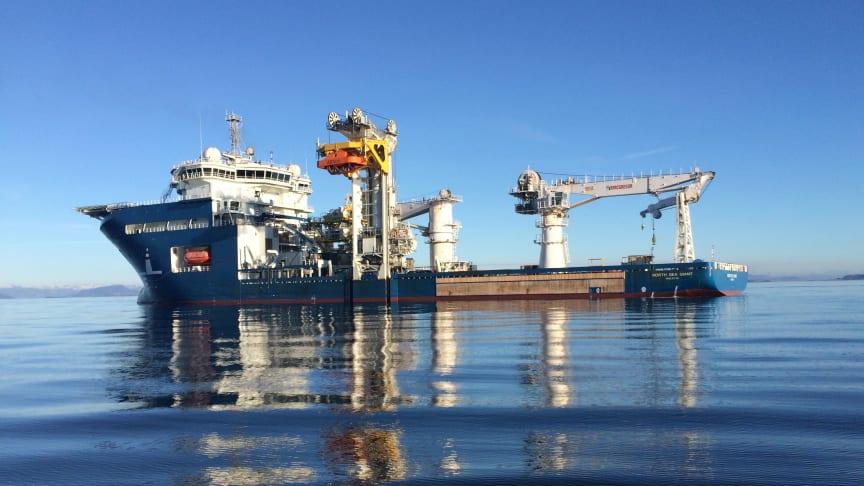 North Sea Giant, et av verdens største konstruksjonsfartøy (Foto: North Sea Shipping).