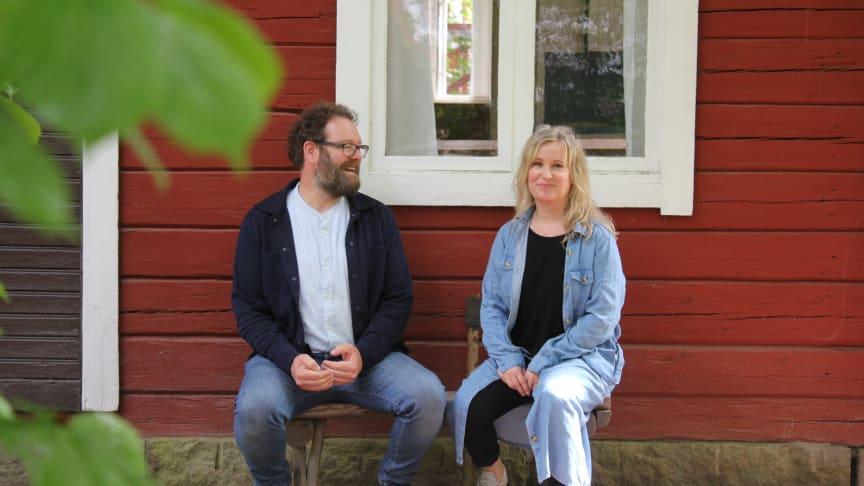 Mats Genfors och Kristina Ruhnström har säsongsavslutning på Astrid Lindgrens Näs. Foto: Urban Wedin.
