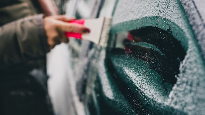 Det finns bättre sätt att starta en morgon på än att behöva skrapa frostiga rutor och sätta sig i en iskall bil. Med DEFA kupévärmare löser du problemet lekande lätt.