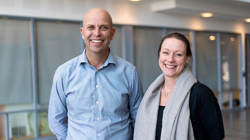Caroline Thorén är ny COO, Chief Operating Officer, på Sigma IT:s digitala fullservicebyrå Maverick. Här tillsammans med Henrik Askervi, Business Area Manager på Maverick.