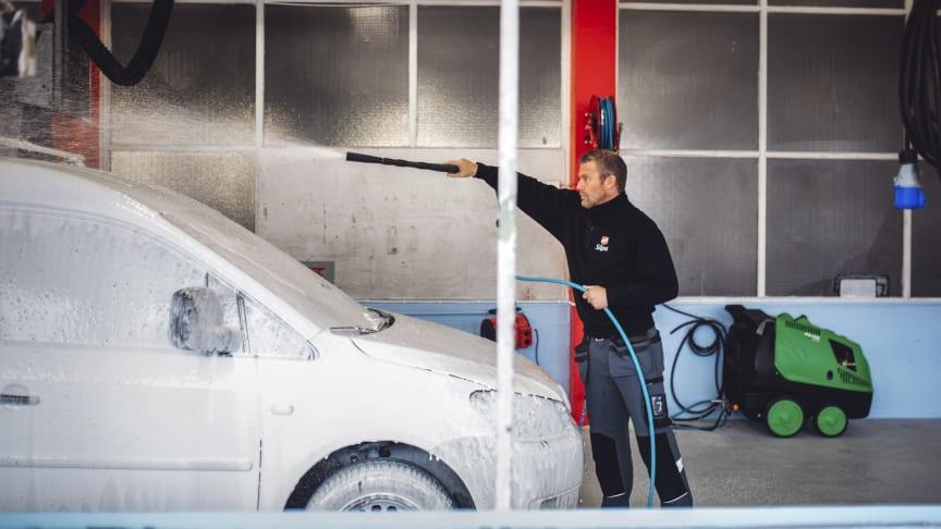 Såpa - The Salvation Army's car wash in Tønsberg