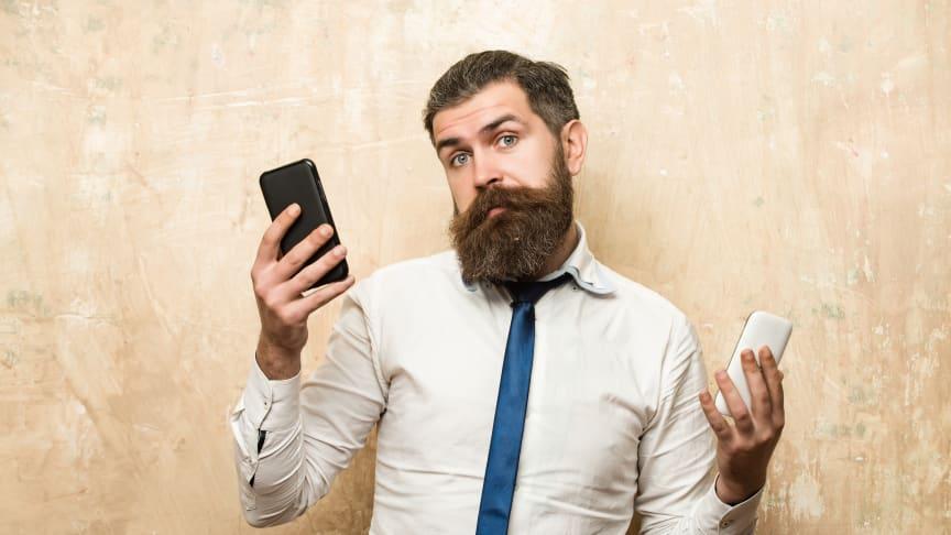 En ny undersøkelse fra analysehuset YouGov viser at 42 prosent av nordmenn ønsker å bytte ut smarttelefonen annethvert år eller oftere hvis de hadde mulighet til det.