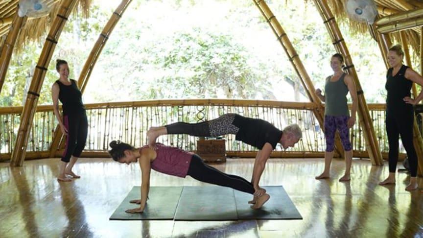 Morsom yogaøvelse fra en av våre tidligere retreater