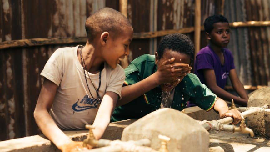 WASSER FÜR ALLE in Äthiopien - jeder Pfandbecher zählt (c) Stefan Groenveld für Viva con Agua