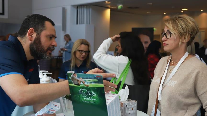 Am GEHWOL Stand wurden die Bloggerinnen individuell und intensiv beraten. Bild: beautypress (webportalis)
