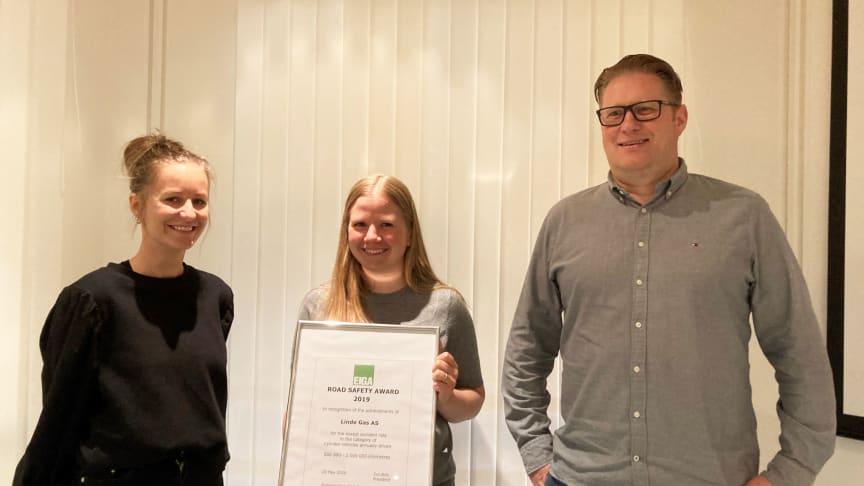 Mottagerne av prisen var fra venstre: Marianne Klemo, Jenny Kristine Risbakken og Espen Stene. Yngve Logan og Maria Tverborgvik var ikke til stede da bildet ble tatt.