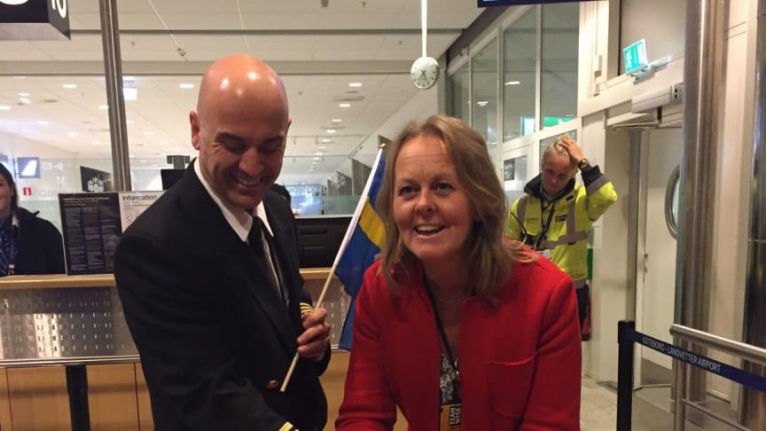 Landvetters flygplatsdirektör Charlotte Ljunggren invigde den nya flyglinjen