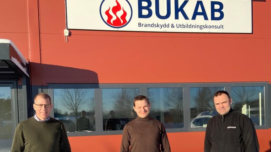 Från vänster: Fredrik Jansson (ägare Bukab), Gustav Paringer (Förvärvsansvarig Presto), Pär Andersson (ägare Bukab)