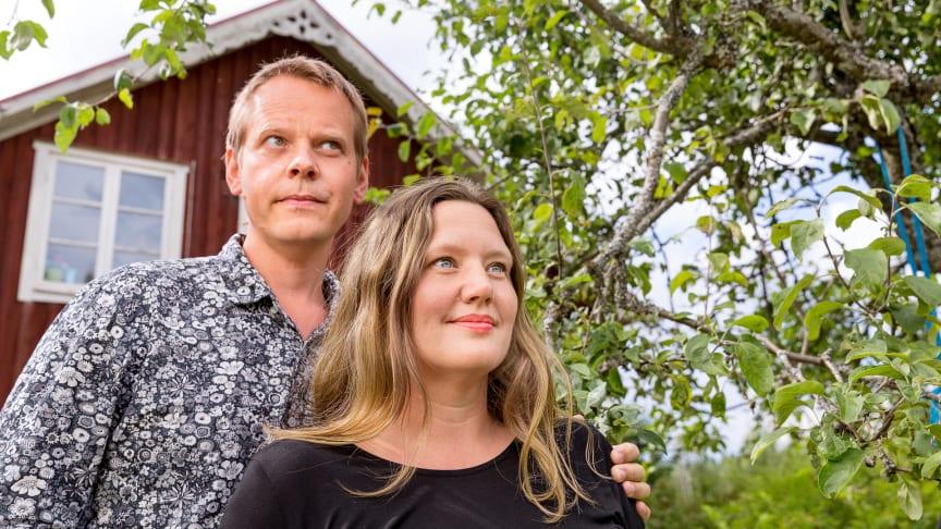 New honorary doctors at the University of Skövde: Ola Rosling and Anna Rosling Rönnlund. Photographer: Jann Lipka