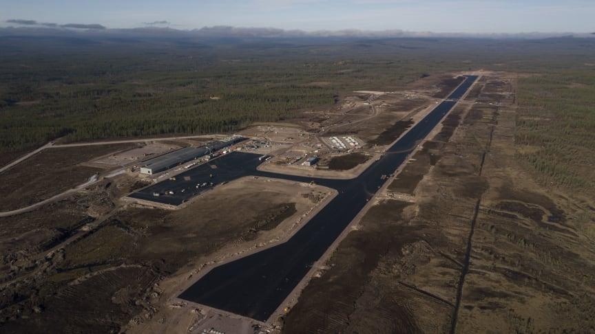 Slik så flyplassområdet ut før snøen la seg i fjor høst. Foto: Scandinavian Mountains Airport