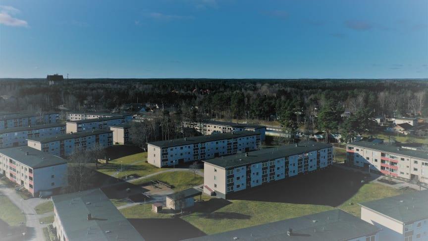 Brf Opalen, Norrköping. Föreningen beräknas minska sin köpta el med 42 % genom installation av solpanelerna.