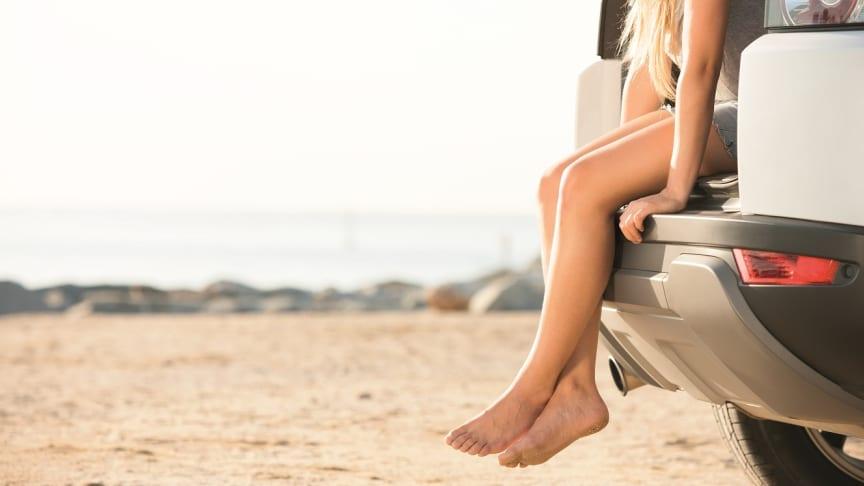 """Alle wichtigen Dokumente im Urlaub dabei? Führerschein, Fahrzeugschein und die """"Grüne Versicherungskarte"""" fürs Ausland."""