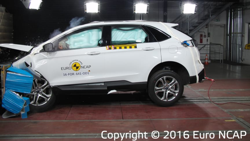 Ford Edge receives a 5 Star Euro NCAP rating  but concerns over rear passenger safety that exceed safe limits