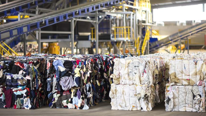 ReFab® - balar av sorterad textil anpassade för materialåtervinning. Fotograf: Andreas Offesson