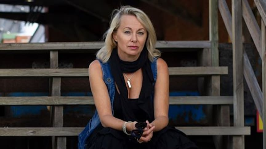 Louise Hoffsten kommer till Svalbo Café 8 augusti.