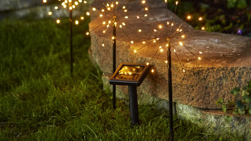 Lättplacerad trädgårdsbelysning som laddas av solen | SmartaSaker.se